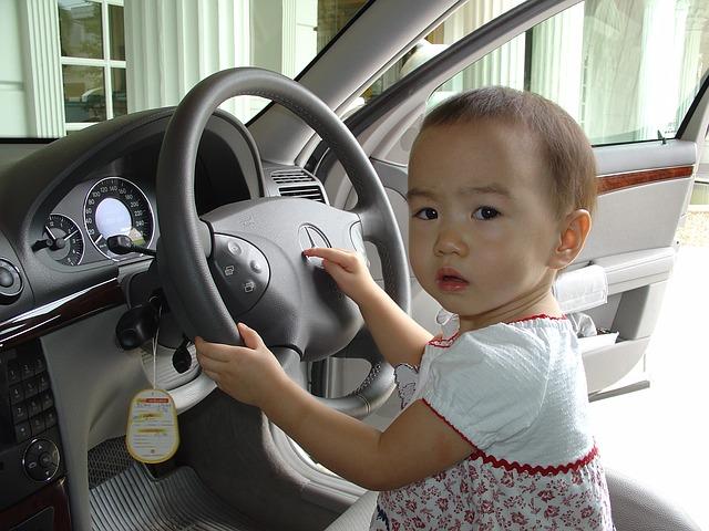 batole za volantem