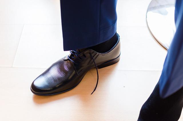 noha v botě